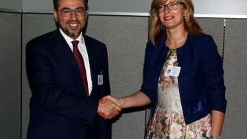 Министър Захариева се срещна с първите дипломати на Афганистан, Катар и Непал