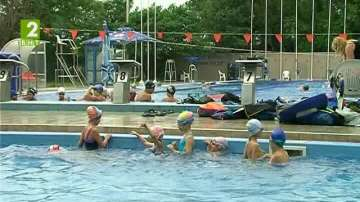 Курсове по плуване за деца във Варна