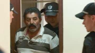Фермерът, прегазил крадец, остава в ареста