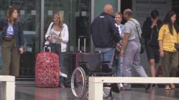150 души прекараха нощта на летище Бургас заради отменен полет