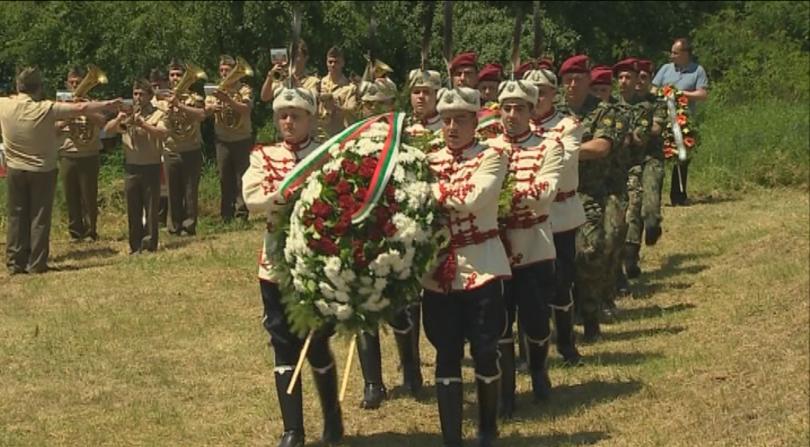 снимка 10 Плевнелиев почете жертвите на тоталитаризма в Белене