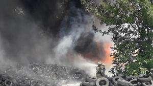 Черен дим над Шумен заради изгорели гуми
