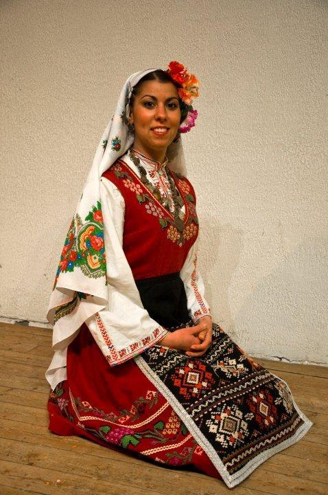 снимка 2 Отвъд границите: Надежда Георгиева: Аз не съм си тръгвала от България
