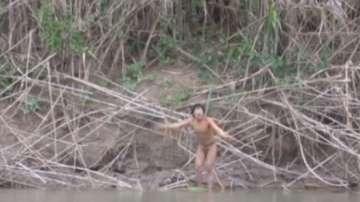Племе в Бразилия живее в изолация