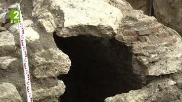 Археолози проучват манастирски извор