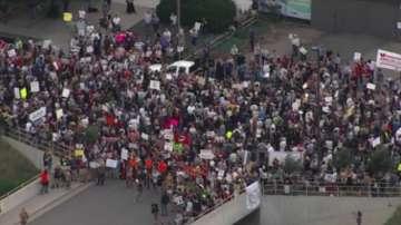 В САЩ започнаха протести срещу масовата депортация на мигранти