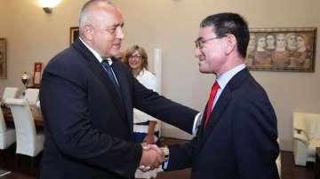 Японският външен министър се срещна с Бойко Борисов и Екатерина Захариева