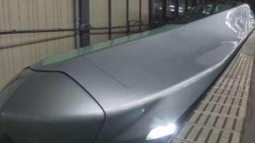 Показаха нов влак стрела в Япония