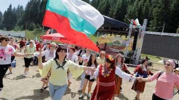 Хиляди гости усетиха магията на фолклора във втория ден от Роженския събор