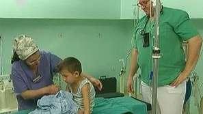 Лекари връщат деца с церебрална парализа