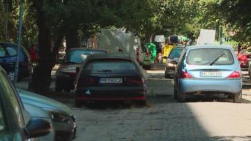 """Сигнал до БНТ: Проблеми с придвижването край блок в пловдивския район """"Южен"""