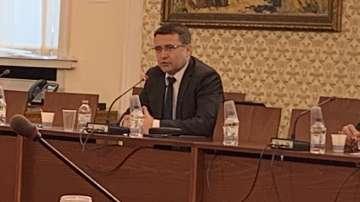 Започна изслушването на единствения кандидат за шеф на КФН