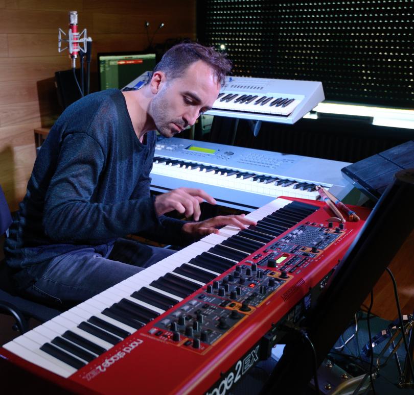 снимка 3 Отвъд границите: Валентин Лазар - музиката и необятното в човешките усещания