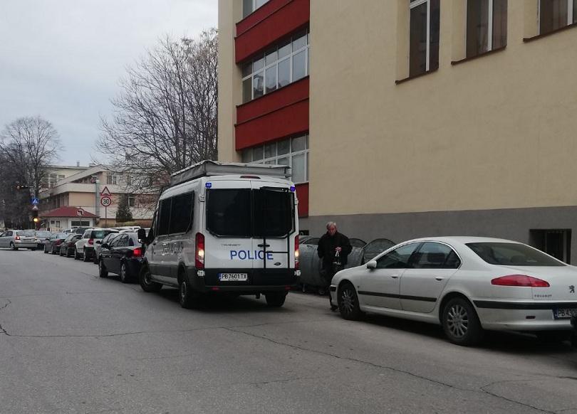 Екоминистърът: Акцията в Басейнова дирекция - Пловдив е свързана със сондажи