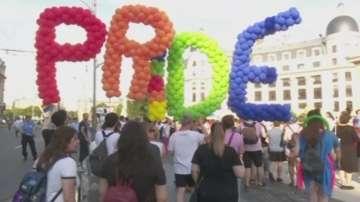 Гей парад и Парад на нормалността се проведоха в Букурещ