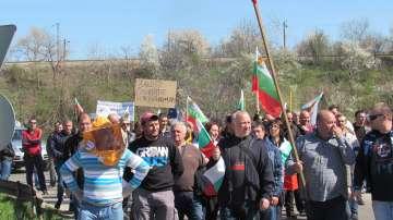 Производители излизат на протест, искат оставката на земеделския министър