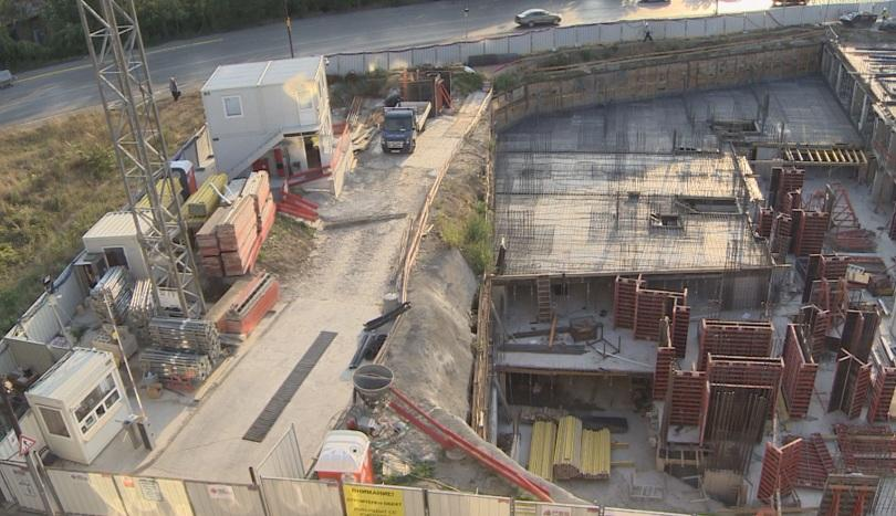 Двама души пострадаха при трудова злополука на строителна площадка в