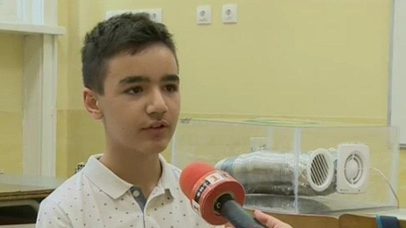 Снимка: Ученик от Русе разработи пречиствателна система Дишащ бот