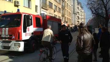 Движението на площад Славейков бе затруднено заради пожар