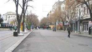 В Бургас забраниха масите пред заведенията в центъра на града