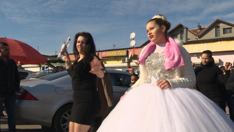 снимка 1 Филми на БНТ за ромската интеграция провокират обществен дебат