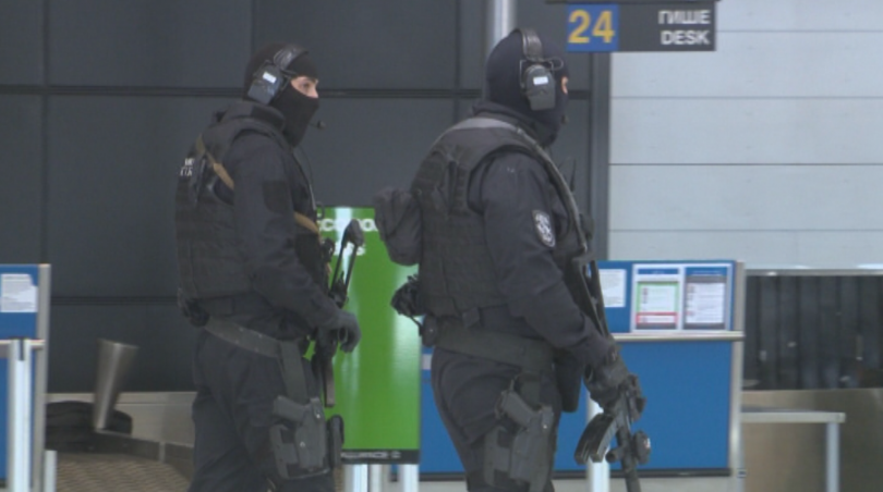 снимка 6 Строги мерки за сигурност на летищата в София, Варна и Бургас