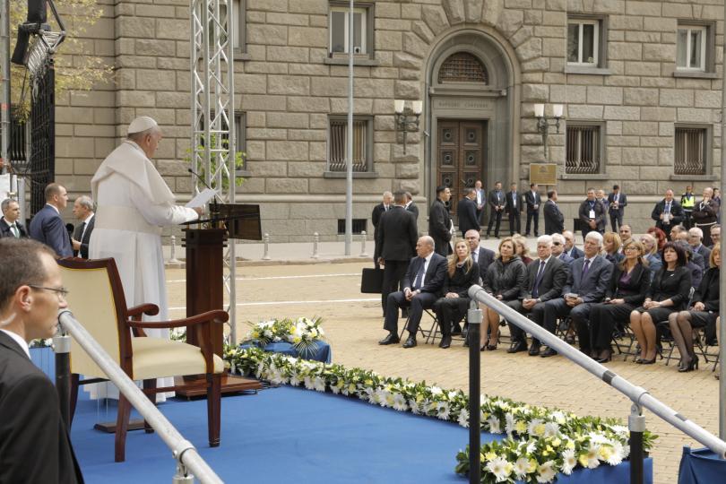 снимка 25 Първият ден от посещението на папа Франциск у нас (СНИМКИ)