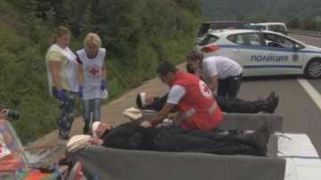 Тренираха спасяване при верижна катастрофа на магистрала Хемус