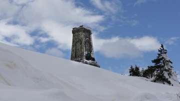 Започва реставрацията на бронзовия лъв на паметника на връх Шипка