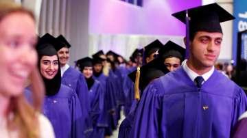 Интересът към образование във Великобритания остава силен