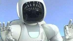 Робот общува с жестомимика
