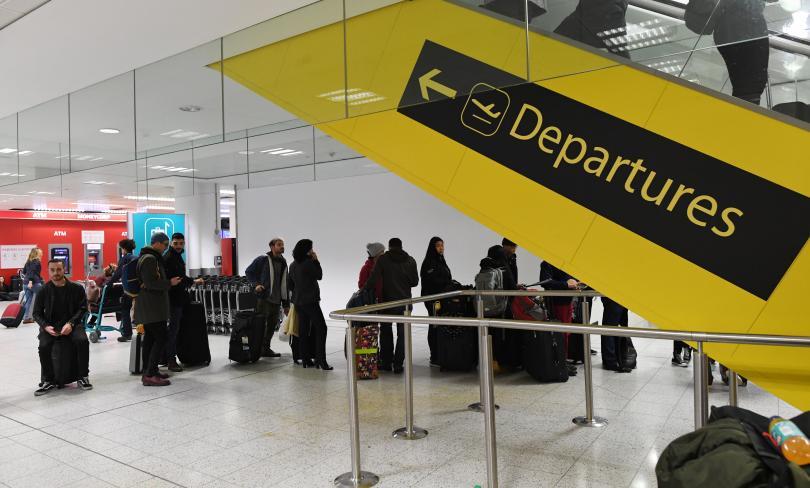 лондонското летище гетуик поднови работа