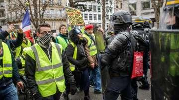 13-и пореден протест на жълтите жилетки във Франция