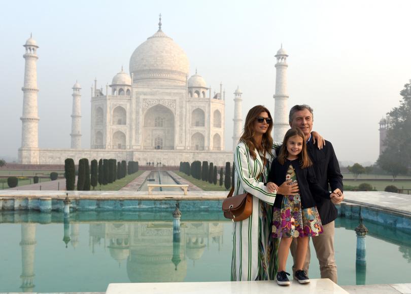 Властите в Индия планират да отворят Тадж Махал и през