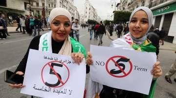 Трета седмица продължават протестите в Алжир
