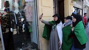 Нова вълна от протести завладява Алжир
