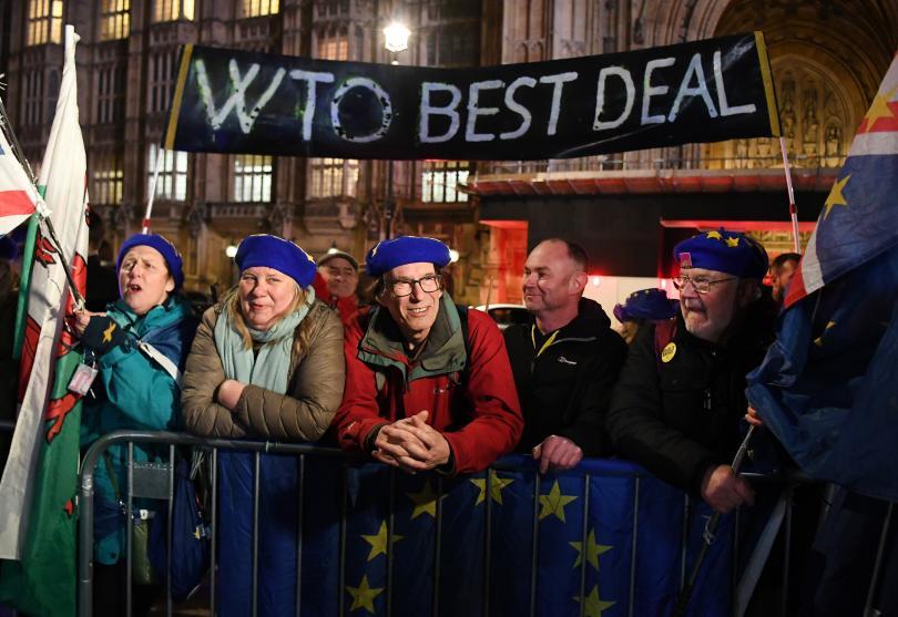 Британският парламент отхвърли възможността Великобритания да напусне Европейския съюз без