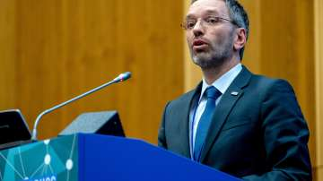 Министърът на вътрешните работи на Австрия е под натиск