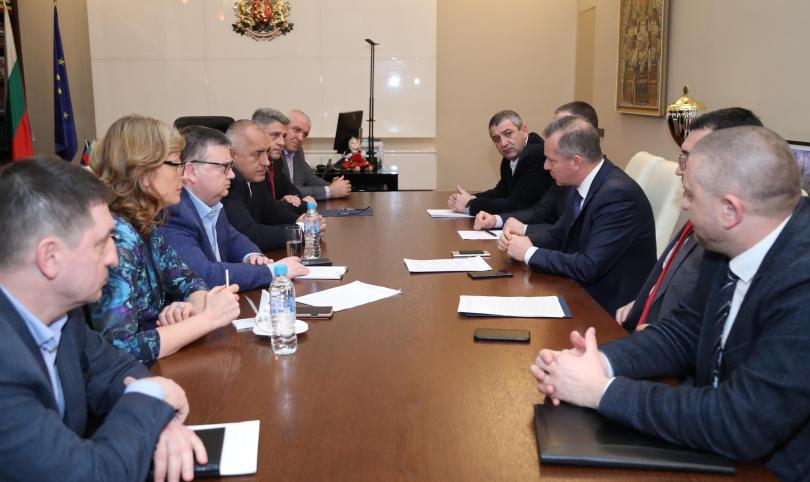 Премиерът Борисов събра на спешна среща спецслужбите и министри заради