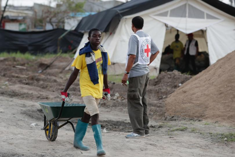 холера разпространява опустошения циклон мозамбик