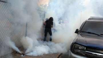 Разпръскват със сълзотворен газ протести във Венецуела