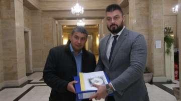 Евродепутатът Николай Бареков се регистрира за европейските избори