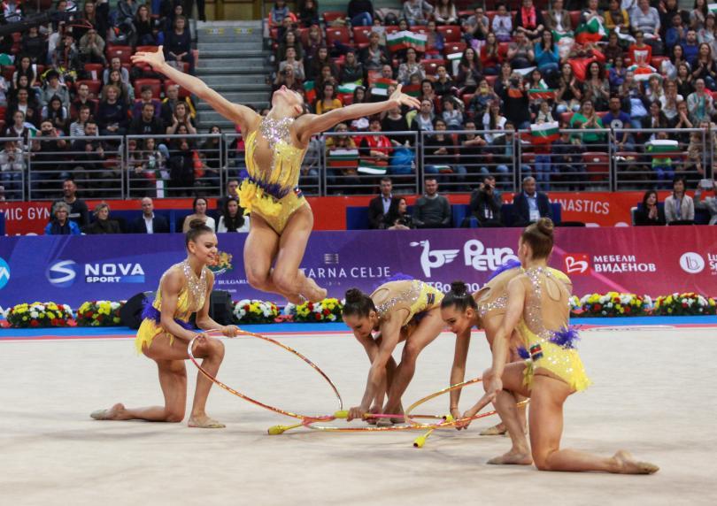 Българският ансамбъл по художествена гимнастика започна участието си на Европейските