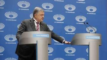 Договориха президентски дебат в Украйна пред 70 000 зрители