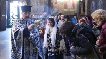 На Светли вторник в църквите се отдава почит на Света Богородица