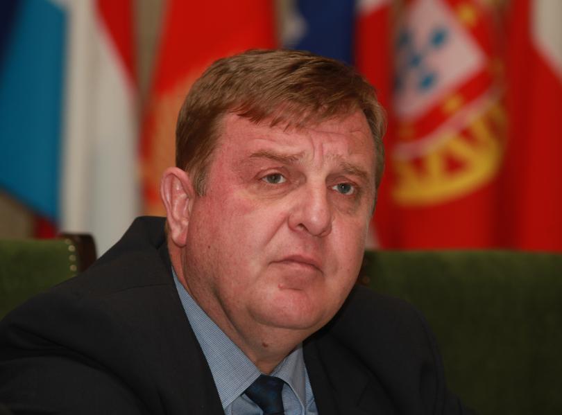 каракачанов подписа договора купуването самолетите