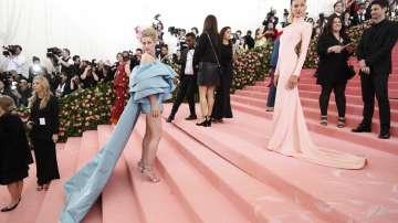 Лейди Гага с провокативно облекло на Мет Гала в Ню Йорк