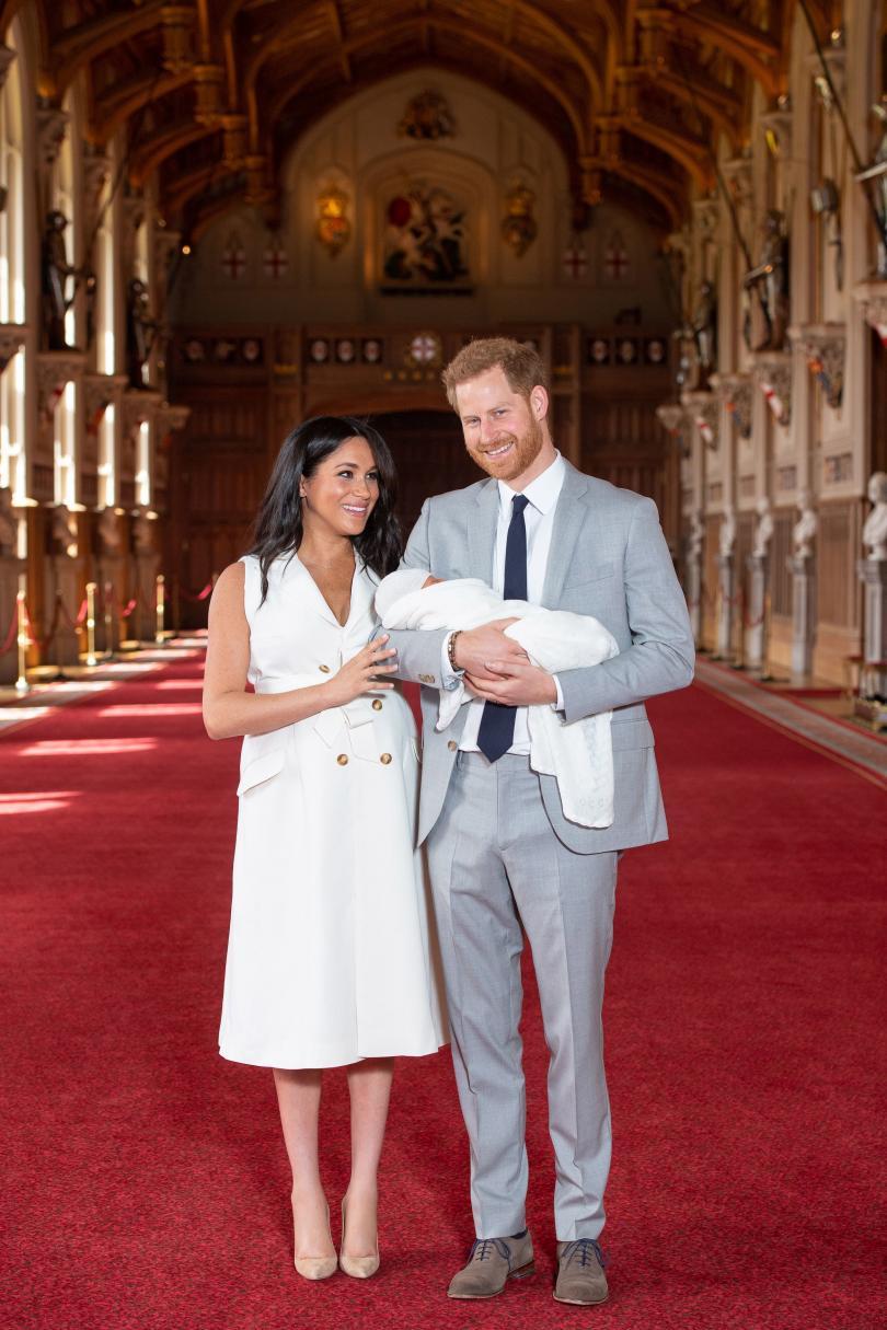 снимка 1 Мегън и принц Хари показаха новородения си син