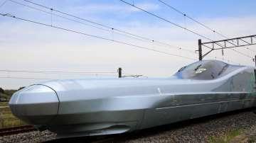 Япония тества нов влак-стрела