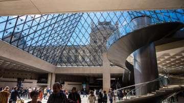 Авторът на стъклената пирамида в Лувъра почина на 102 години